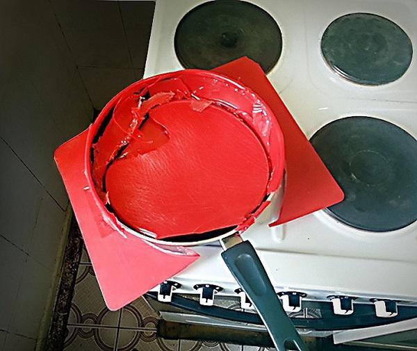 Những thói quen tai hại mà bà nội trợ thường bỏ qua khi sử dụng đồ gia dụng nhà bếp khiến chúng hỏng :nhanh như chớp - Ảnh 4.