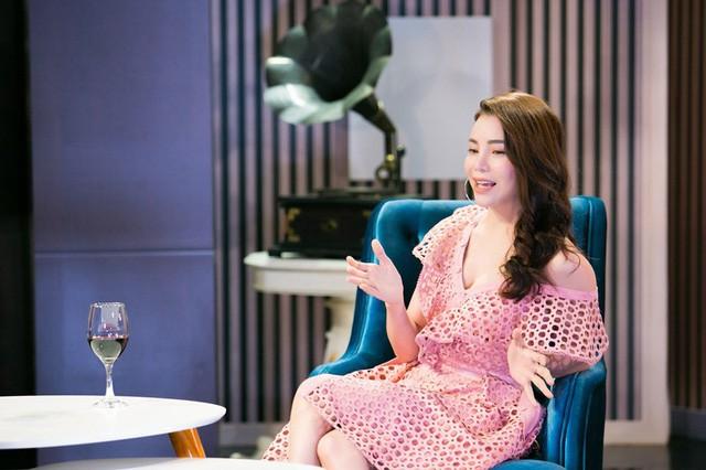 Chuyện cuối tuần: Trà Ngọc Hằng chia sẻ về góc khuất nghề người mẫu - Ảnh 1.