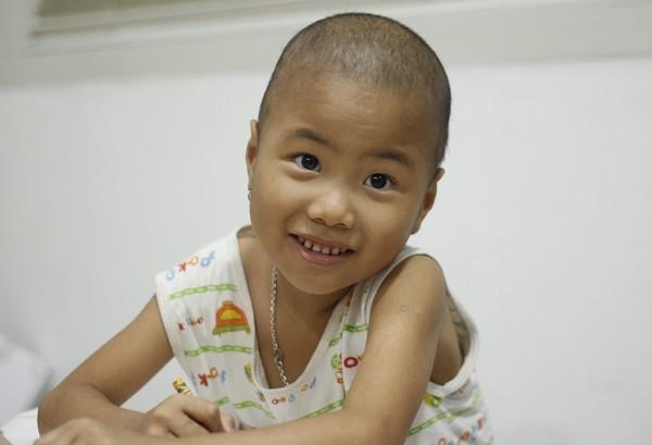 Động lực chữa bệnh đặc biệt của cô bé ung thư máu 6 tuổi - Ảnh 2.