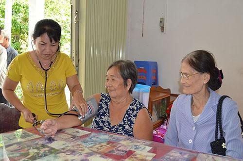 Cần Thơ tăng cường truyền thông chăm sóc sức khỏe người cao tuổi - Ảnh 2.