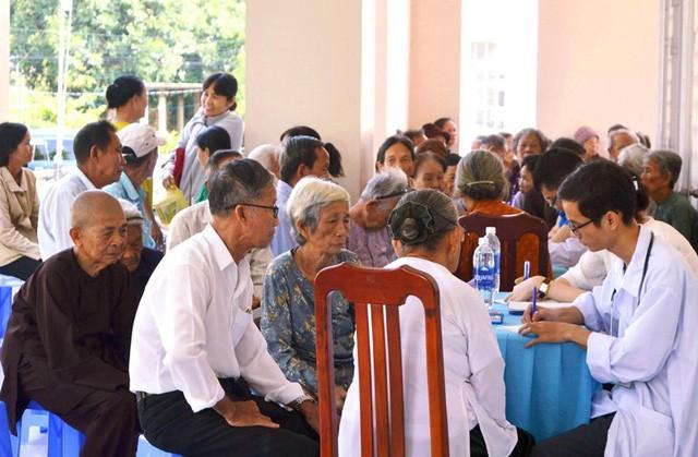 Bà Rịa - Vũng Tàu: Đẩy mạnh chăm sóc sức khỏe dài hạn cho người cao tuổi - Ảnh 1.