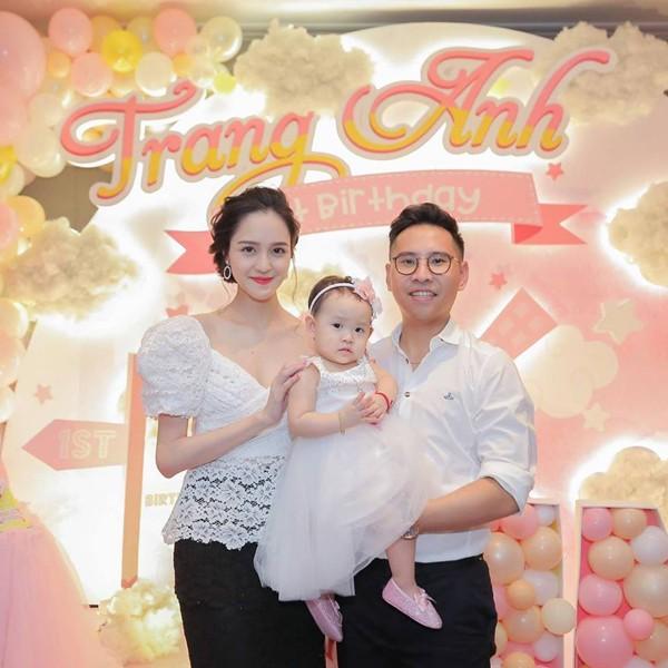 3 Á hậu 9X của Hoa hậu Việt Nam sống thế nào từ khi lấy chồng đại gia? - Ảnh 2.