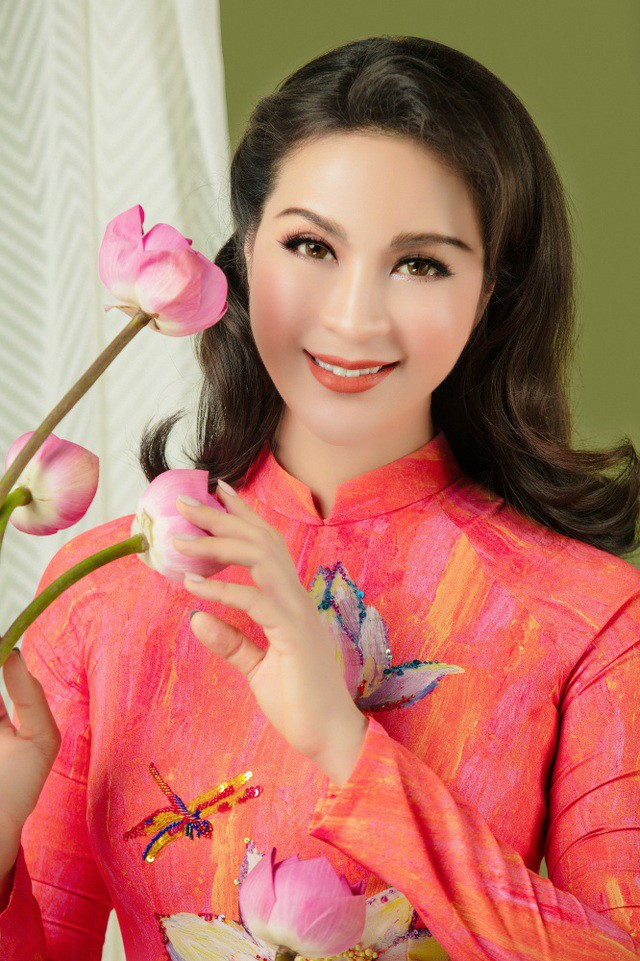 MC Thanh Mai nhớ thuở nghèo khổ mở hàng nước kiếm từng đồng phụ gia đình  - Ảnh 1.