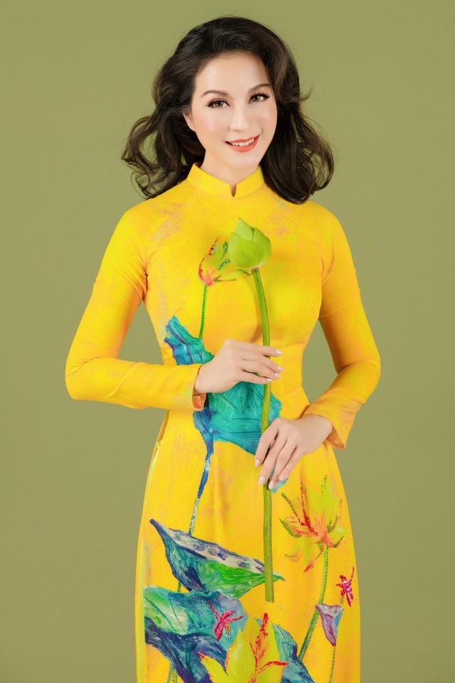 MC Thanh Mai nhớ thuở nghèo khổ mở hàng nước kiếm từng đồng phụ gia đình  - Ảnh 3.