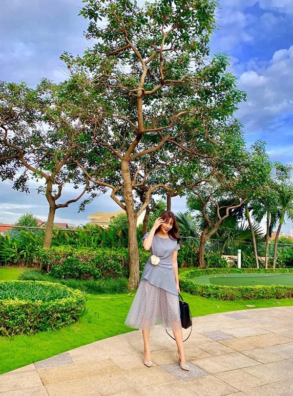 Nhan sắc gợi cảm tuổi 36 của Lưu Hương Giang - Ảnh 7.