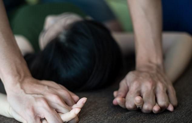 Hà Nội: Một cô gái bị đánh đập, hiếp dâm và cướp hết tài sản - Ảnh 1.