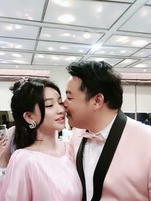 Bị lộ ảnh thân mật, Quang Lê dính nghi án tình cảm với vợ cũ Hồ Quang Hiếu hậu chia tay Thanh Bi Người phán xử - Ảnh 2.