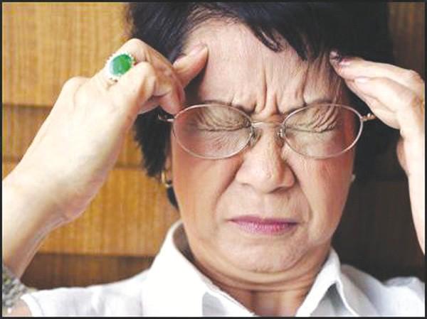 Thiếu máu não ở người cao tuổi: Những điều cần biết và phòng ngừa - Ảnh 1.