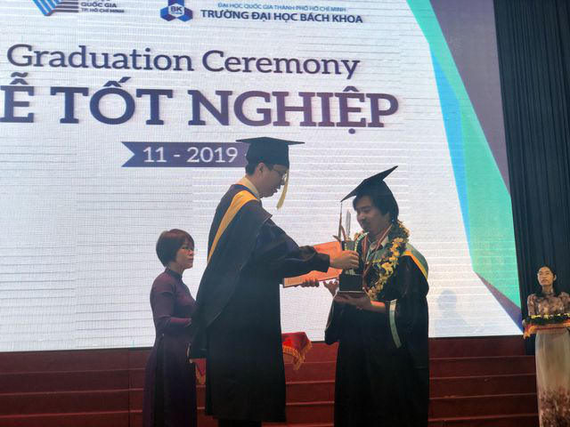 Anh em song sinh cùng tốt nghiệp xuất sắc trường ĐH Bách khoa TPHCM - Ảnh 1.