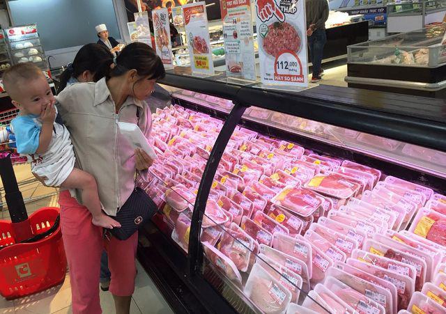 """Giá thịt heo """"leo thang"""", người tiêu dùng…""""bấm bụng"""" mua ít lại - Ảnh 2."""