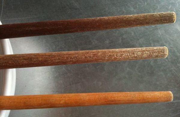 Thấy đũa có điểm đặc biệt này cần phải vứt ngay, để lâu ngấm độc hại cả nhà - Ảnh 3.
