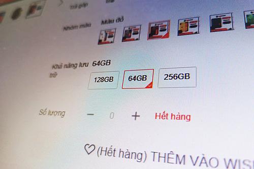Người Việt săn iPhone giá rẻ ngày độc thân  - Ảnh 2.
