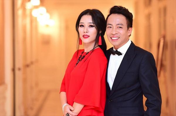 Lóa mắt với biệt thự nhà vườn gần 2000 m2 của chàng ca sĩ hát nhạc đỏ nổi tiếng lấy vợ kém 18 tuổi xinh như hoa hậu - Ảnh 1.