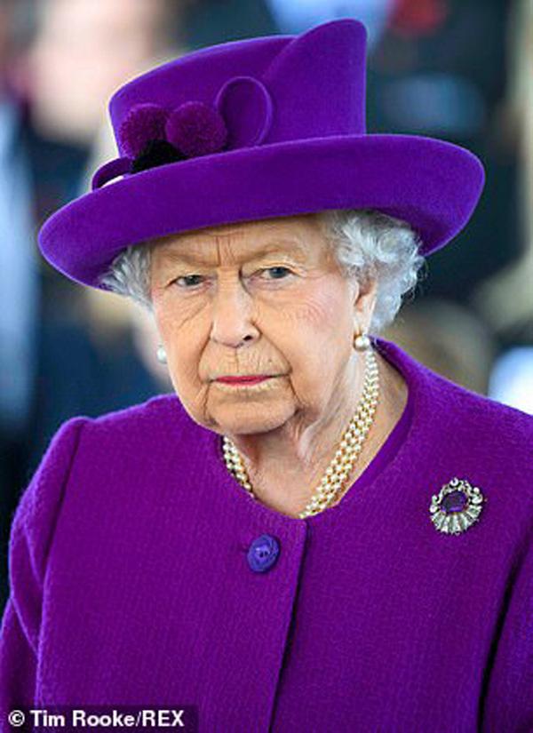 Sang Mỹ đón giáng sinh cùng mẹ vợ, Hoàng tử Harry và Công nương Meghan Markle tự tách mình gia khỏi gia đình Hoàng gia - Ảnh 3.