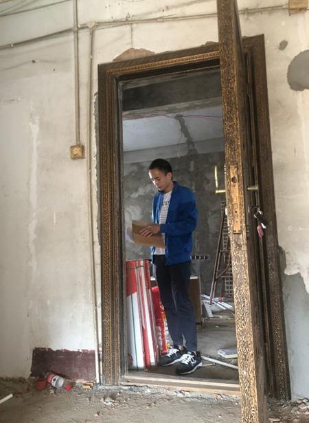 Mua căn hộ đắt đỏ, phát hiện bếp và toilet thuộc về nhà khác  - Ảnh 1.