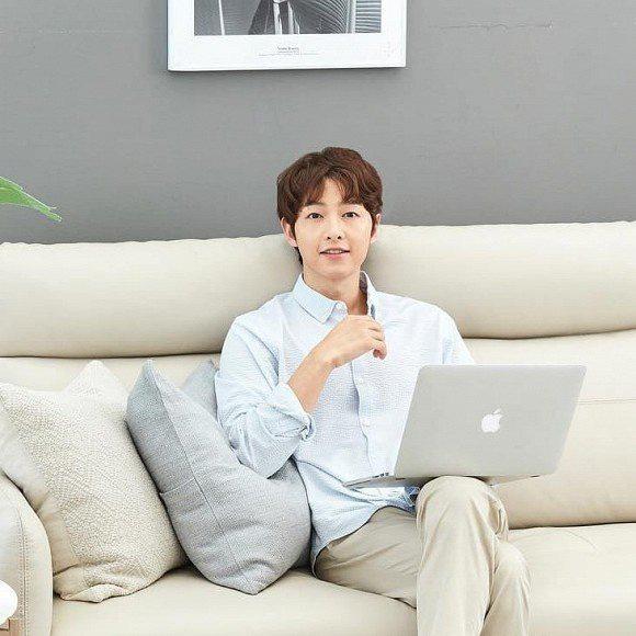 Song Hye Kyo có phản ứng lạ khi biết tin chồng cũ quay lại showbiz - Ảnh 1.