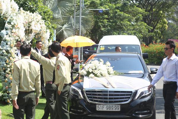 Dàn siêu xe trong đám cưới của Bảo Thy hé lộ gia sản khổng lồ của chú rể doanh nhân - Ảnh 2.