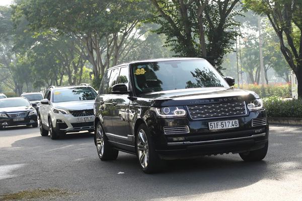 Dàn siêu xe trong đám cưới của Bảo Thy hé lộ gia sản khổng lồ của chú rể doanh nhân - Ảnh 9.