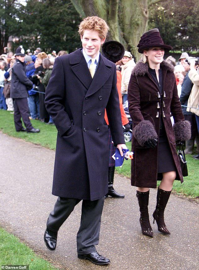 Cay mắt hình ảnh khi xưa thơ bé của Hoàng tử Harry khi đón giáng sinh cùng mẹ - Ảnh 7.