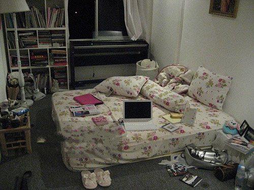 Những lần lộ phòng ngủ ngồn ngộn như bãi rác khiến mỹ nhân chỉ muốn độn thổ - Ảnh 1.