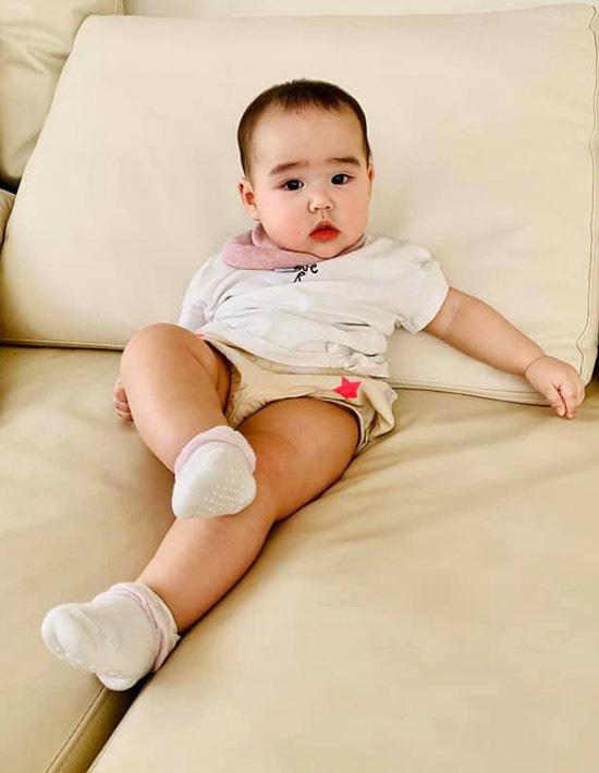 Con gái lai 7 tháng tuổi lai Tây xinh như thiên thần của Bảo Trúc - Ảnh 6.