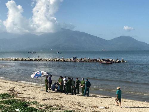 Đi câu cá, phát hiện xác người phụ nữ trôi dạt vào bờ biển - Ảnh 2.