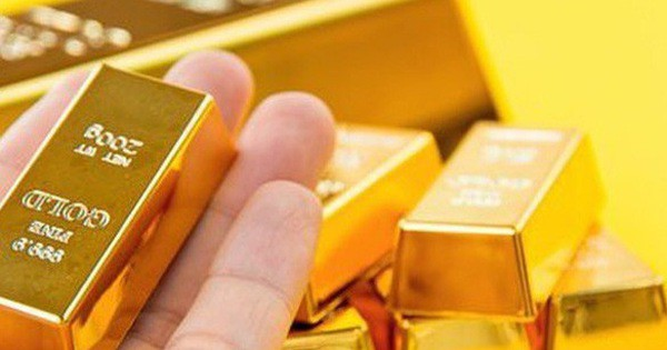Giá vàng hôm nay 2/11: Vọt lên đỉnh cao, dự báo vẫn tiếp tục tăng - Ảnh 1.