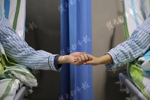 2 vợ chồng phát hiện ung thư cùng 1 lúc: Bác sĩ khẳng định nguyên nhân là món ăn tiện lợi và rẻ bèo mà nhiều gia đình thích - Ảnh 2.