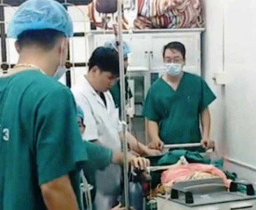 Nghệ An: Thông tin mới về sự việc con tử vong, sản phụ nguy kịch khi chờ sinh - Ảnh 1.