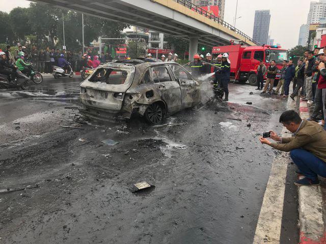 Lời kể của nữ sinh thoát chết trong vụ xe Mercedes gây tai nạn kinh hoàng - Ảnh 2.