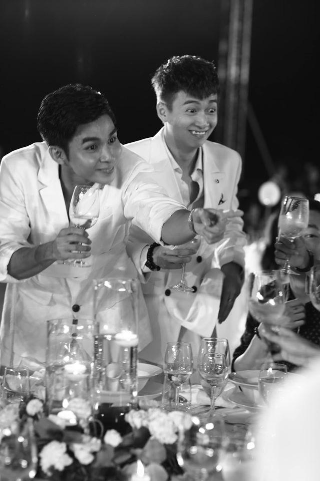 10 ngày sau đám cưới cổ tích, Đông Nhi bất ngờ tung loạt khoảnh khắc đáng nhớ với đủ các cung bậc cảm xúc cùng dàn khách mời đình đám - Ảnh 24.