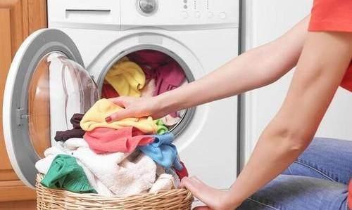 Nếu biết hậu quả khủng khiếp khi để quần áo qua đêm trong máy giặt thì sẽ không ai còn dám lười nữa - Ảnh 2.