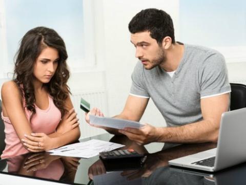 Bị chồng mắng sấp mật vì biếu bố mẹ đẻ 10 triệu đồng - Ảnh 2.