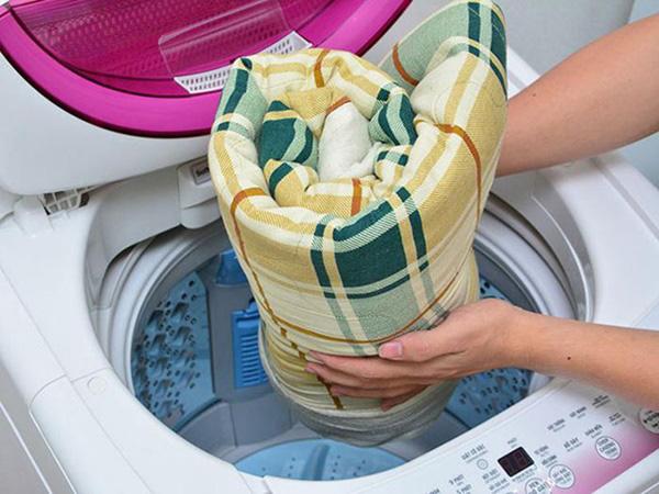 Hãy giặt chăn thường xuyên nếu không muốn mắc những bệnh này - Ảnh 2.