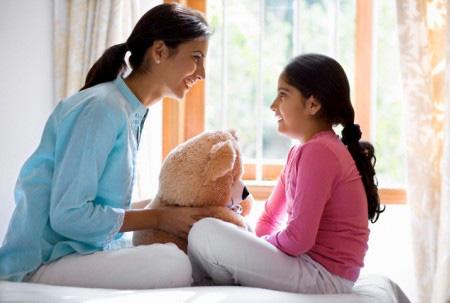 Từ những vụ trẻ vị thành niên tự sát: 5 câu bố mẹ nên nói với con gái tuổi dậy thì - Ảnh 1.