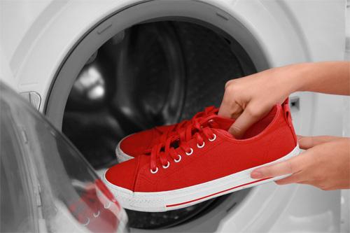 Những thứ có thể bỏ vào máy giặt mà bạn không biết, cái thứ 4 sẽ khiến bạn rất bất ngờ - Ảnh 2.