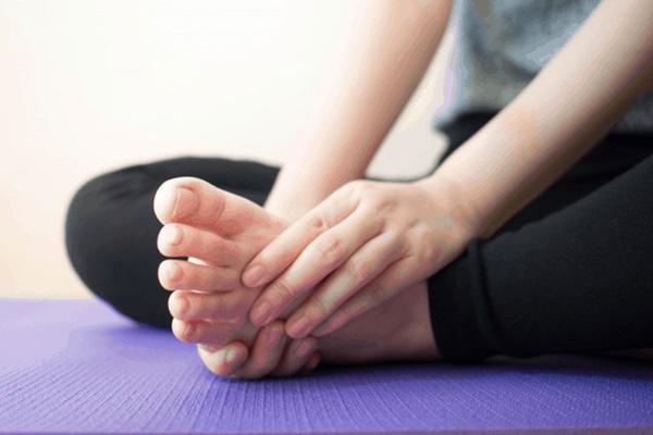 3 dấu hiệu ở bàn chân mà chúng ta thường hay lờ đi thể hiện sức khỏe đang có vấn đề - Ảnh 4.