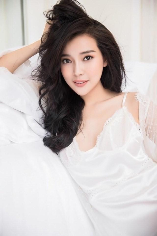 Cao Thái Hà: Mỹ nhân độc thân có giá nhất nhì Vbiz, hết sở hữu biệt thự lại mua căn hộ cao cấp ngay giữa quận 2 (TPHCM) - Ảnh 10.