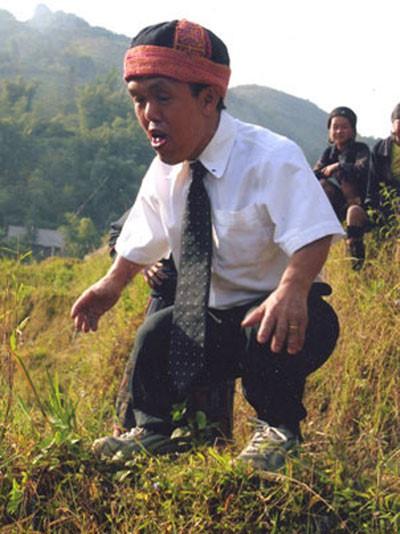 Chú lùn nổi tiếng ở phố cổ Hà Nội và cuộc hành trình biến những điều không thể thành có thể - Ảnh 9.