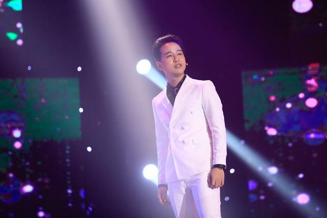 Dồn hết tiền dành dụm 10 năm để sửa nhà cho ba mẹ thay vì thu album chỉ có thể là ca sĩ Triệu Lộc - Ảnh 1.