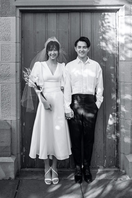 Đông Nhi - Ông Cao Thắng chụp ảnh cưới ở Sydney - Ảnh 1.