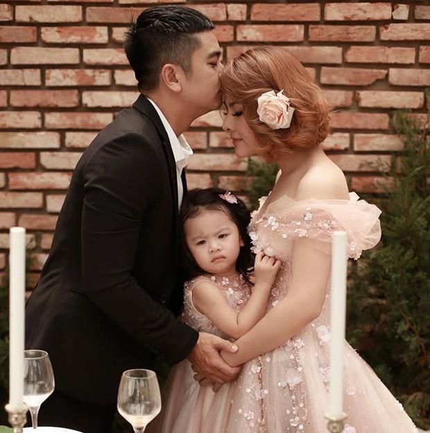Diễn viên Vân Trang tự tay biến phòng con gái thành một căn phòng như bước ra từ truyện cổ tích mà bất cứ bố mẹ nào cũng phải ngưỡng mộ - Ảnh 1.