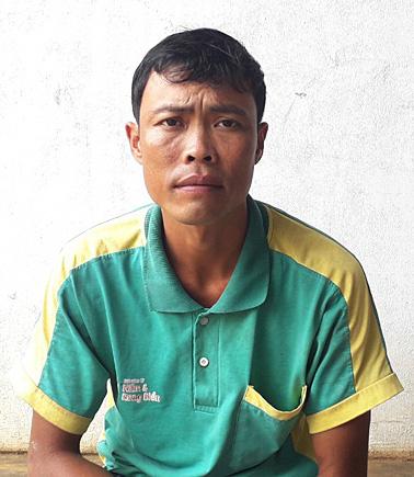 Ông bố đi 20 tỉnh thành tìm con 7 tuổi - Ảnh 2.