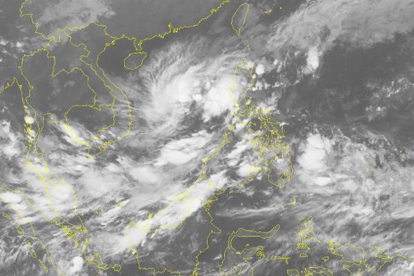 Tin mới nhất về cơn bão số 6 đang liên tục tăng cấp trên Biển Đông - Ảnh 2.