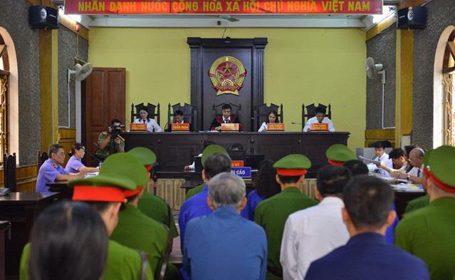 Danh tính 46 đảng viên là phụ huynh của thí sinh được nâng điểm trong vụ gian lận thi cử ở Sơn La - Ảnh 2.