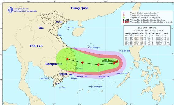 Diễn biến về cường độ thất thường của bão số 6 sắp đổ bộ vào đất liền - Ảnh 2.