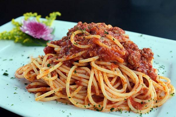 Học lỏm công thức làm spaghetti – món ngon ưa thích của giới trẻ Việt Nam - Ảnh 1.