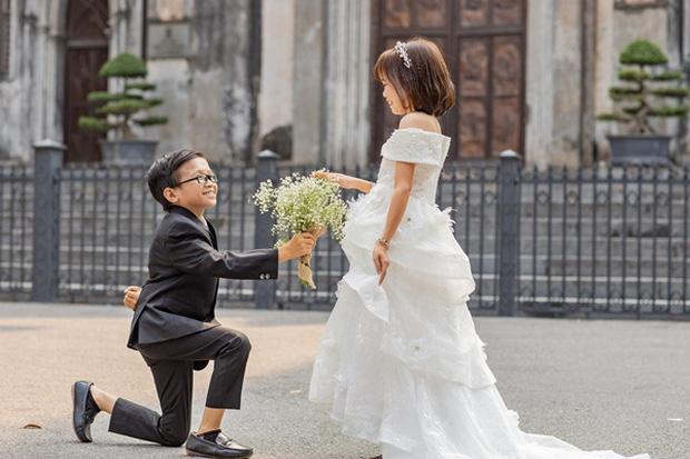 Đám cưới cặp đôi tí hon như học sinh lớp 1 gây bão trên MXH khiến nhiều người xúc động - Ảnh 10.