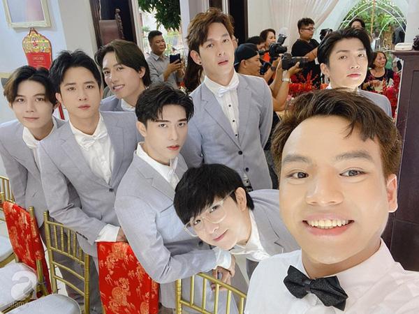 Đám cưới Đông Nhi - Ông Cao Thắng rước dâu bằng xe mui trần siêu sang độc nhất ở TP.HCM - Ảnh 8.
