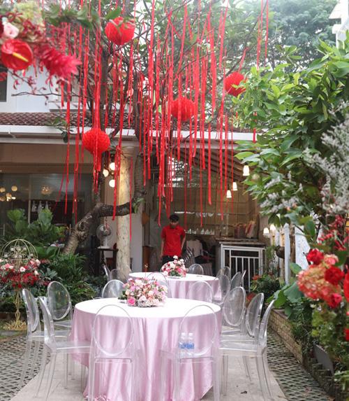Biệt thự nhà Ông Cao Thắng đỏ rực và lộng lẫy theo phong cách người Hoa trong ngày ăn hỏi - Ảnh 11.